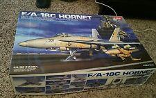 1/32 ACADEMY F/A-18C Hornet detail model U.S Navy Fighter Bomber