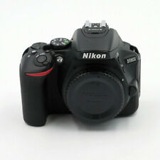 Neues AngebotNikon D D5600 24.0MP Digitalkamera - Schwarz - Vorführstück