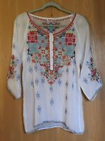 Johnny Was Size XS Muna White Embroidered Boho Rayon Tunic Top Blouse NWT $250