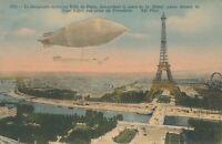 PARIS – Le Dirigeable Militaire Passe Devant La Tour Eiffel