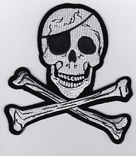 TETE DE MORT    PATCH   ECUSSON  Patch thermocollant   Tête de mort  PIRATE