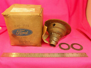 """NOS 1962 62 Ford Mercury 9"""" Differential Carrier Case mustang 61-66 67 68 69 70"""