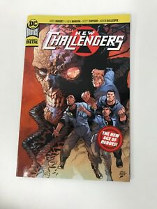 New Challengers - New Age of Heroes - S Snyder - DC Universe Paperback Brand New