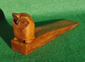 SMALL CARVING OF AN OWL OILED WOOD ON A HARDWOOD DOORSTOP