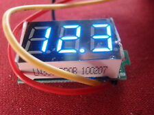 Miniatura digital Voltmeter 0-100v = dígitos azul 3-dígitos automóviles, camiones, etc. 25046