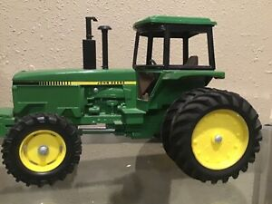 1/16 john deere 4850 toy tractor