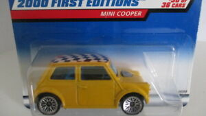 2000 Hot Wheels First Editions #30 MINI COOPER yellow w/ blk & wht checkered top
