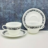 Corelle Pyrex Blue White Old Town Blue Onion 2 Coffee Tea Cup & Saucer Sets USA