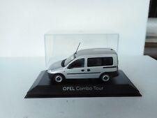 MINICHAMPS - OPEL  COMBO TOUR -- 1:43 --  in OVP -- Modellauto