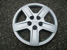 one genuine 2005 2006 Chevy Equinox hubcap wheel cover