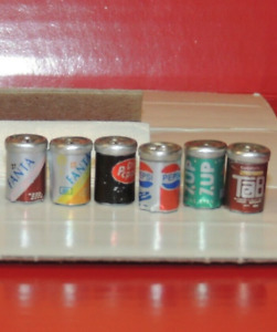 SIX SODA CANS 1:18 DIORAMA(METAL CANS )
