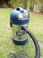 Mac Allister 1250W wet & dry vacuum cleaner with attachments and spares