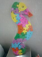 Puzzle de madera colores numeros con forma de caballito mar niños 33x20 cm