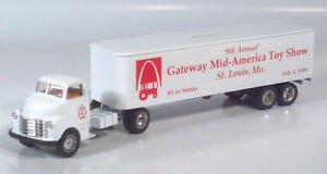 "Ertl 1950 Chevy Cab Gateway Toy Show Semi Truck 11.5"" Diecast Scale Model Bank"