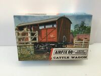 Airfix 02659-2 OO Gauge Cattle Wagon Kit