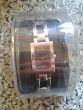 UNWORN ANALOGUE QUARTZ WATCH . NEEDS BATTERY. SPARE LINKS INCLUDED. £6 FREE POST