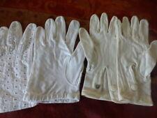 T6/5  2paires de tres beaux  gants anciens  théatre,folklore ,élégance ,vintage