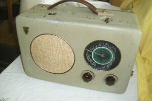 Radione R2 von 1942, sehr schöner Zustand mit Bedienungsanl. und Service Heft