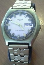 Vintage men's CROTON ELECTRONIC wristwatch, Cal. ESA 9158, needs work