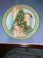"Dreamsicles 1996 Sculptural Christmas Plate "" The Finishing Touches"
