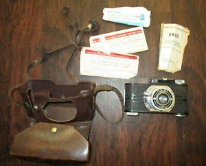 VINTAGE ARGUS CAMERA WITH CASE