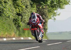 Ian Hutchinson   2018 Isle of Man TT Superbike   A4 Photo