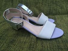 Ladies Clarks Sandal Metallic / Silver / CreamSize: UK 3