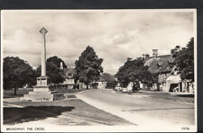 Worcestershire Postcard - Broadway - The Cross     RS4695