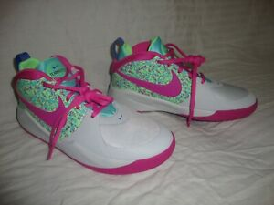 New DC1993-001 Nike Team Hustle D 9 DIGI (GS) Basketball Sneakers Shoe Size 6Y