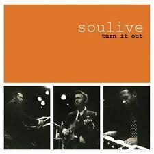 SOULIVE - TURN IT OUT - CD 10 TITRES - FEAT. JOHN SCOFIELD - 2005 - BON ÉTAT