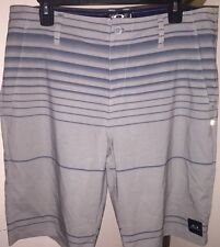 NWOT OAKLEY FREQUENCY HYBRID STRETCH CASUAL OR BOARDSHORTS SZ 34 STONE GRAY