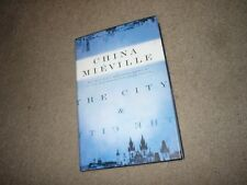 The City & The City China Mieville 1st US Hardcover Signed
