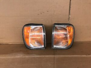99 00 01 02 03 04 Nissan Pathfinder SET LEFT & RIGHT Corner Marker Lights oem