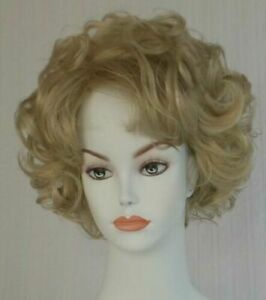 Short Wavy Chin-length bob Wig w/soft curls Darkest Brown tipped w/ Cranberry