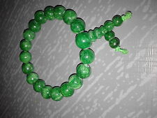 Bracelet boudhique en perles de jade teints vert 8mm, 1 rang. Idée KDO fêtes.