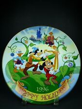 """DISNEY'S CHRISTMAS COLLECTION 1996 """"HAPPY HOLIDAYS"""" COLLECTORS PLATE"""