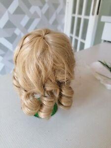 perruque pour poupée ancienne