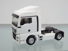 Herpa 308342 - 1:87 - MAN TGX XLX c Zugmaschine, blanc