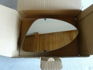 PORSCHE 958 CAYENNE 2011 - 15 MIRROR GLASS ORINAL OEM PART NO 95873152110