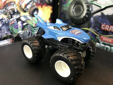Hot Wheels Monster Jam Truck 1/64 Diecast Metal Shark Wreak