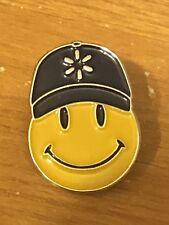 Rare Walmart Lapel Pin Smiley Spark Hat Happy To Help Promo Wal-mart Pinback