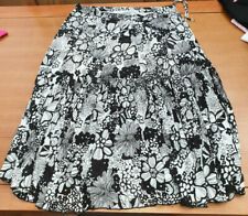Womens Arcadia Group lined skirt. Size 20.
