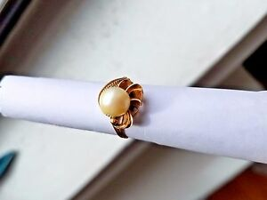 GOLD Ring WITH LARGE PEARL ELEGANT&MAGNIFICENT