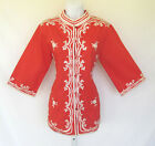 VINTAGE 1960s FOYEN'S OF HAWAII RED EMBROIDERED TOP WHITE FLOWERS POLY COTTON
