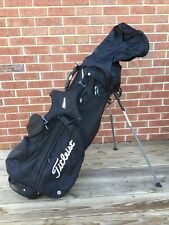 Titleist Stand/Carry Golf bag with 4 way dividers Includes rain cover