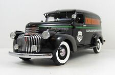 1940's Chevy Bomb Squad Unit Police Emergency Vechicle  1:24 Scale SUPER NICE