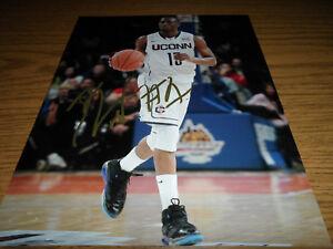 KEMBA WALKER  signed/autographed  8x10 Photo NBA CHARLOTTE HORNETS UCONN