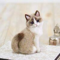 Hamanaka - English + Japanese Wool Needle Crafts Felting Kit - Ragdoll Cat