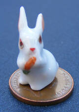 1:12 Scale White Pet Rabbit Eating Carrot Tumdee Dolls House Miniature Ceramic A
