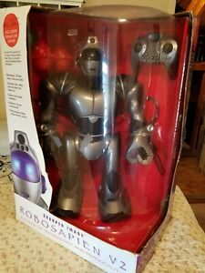 SHARPER IMAGE: ROBOSAPIEN V2 - A FUSION OF TECHNOLOGY AND PERSONALITY! WOWWEE.